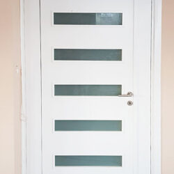 sobna vrata nis